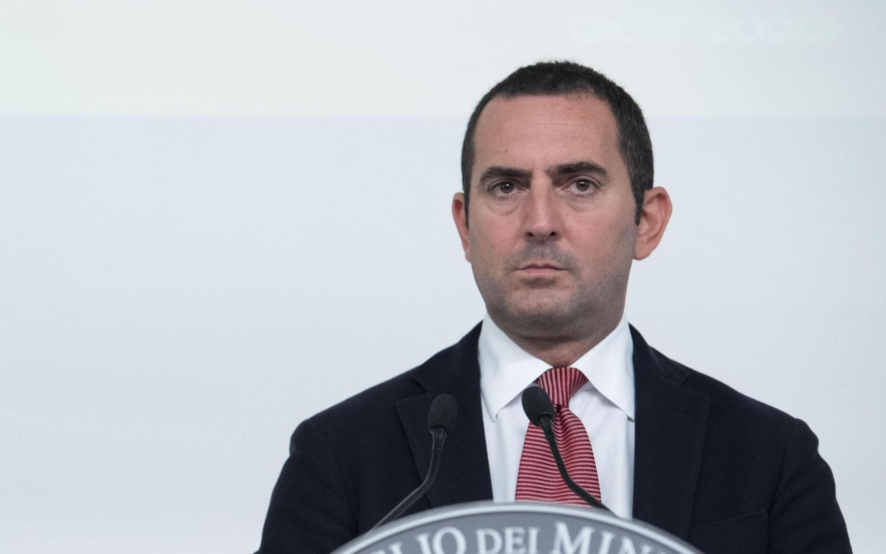 Il ministro Spadafora parla di risorse per sostenere la chiusura